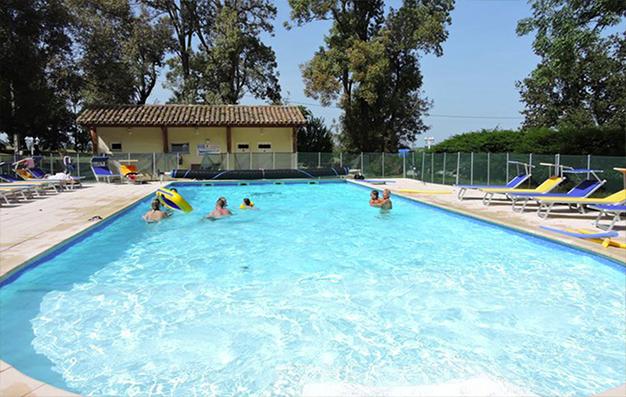 Le Domaine de Miraval dispose d'une grande piscine