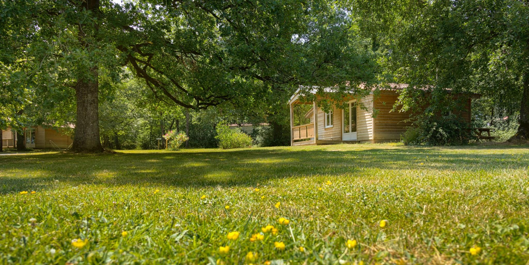 Camping tarn avec piscine le domaine de miraval belleserre - Camping carcassonne avec piscine ...
